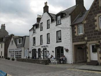 Picture 1. The Ship Inn, Stonehaven, Aberdeenshire