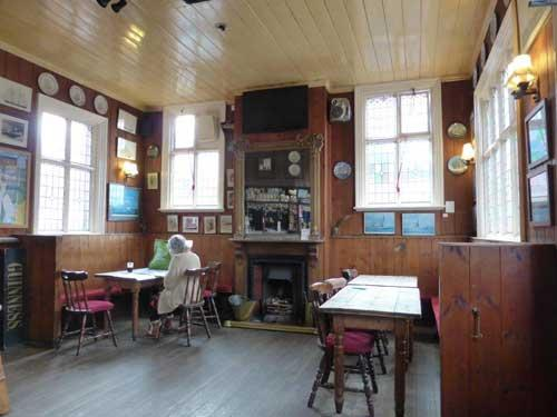 Picture 2. White Hart, Aldeburgh, Suffolk