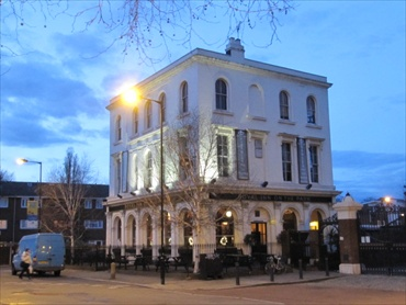 Picture 1. Royal Inn on the Park, Hackney, Greater London