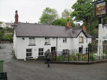 Picture 1. The Bridge End Inn, Ruabon, Denbighshire
