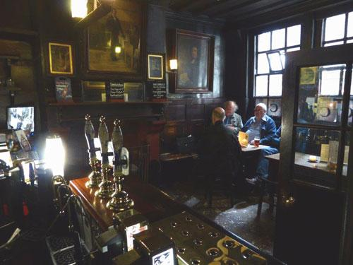 Picture 2. Ye Olde Cheshire Cheese, Fleet Street, Central London