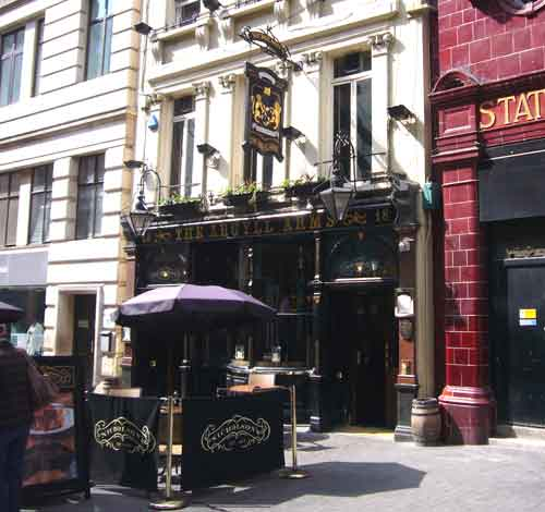 Picture 1. The Argyll Arms, Soho, Central London
