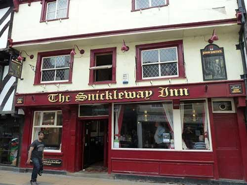 Picture 1. The Snickleway Inn, York, North Yorkshire
