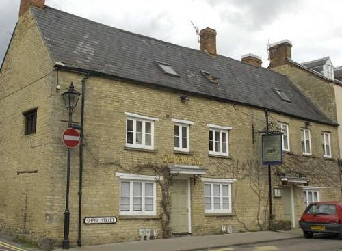 Picture 1. The Bull Inn, Charlbury, Oxfordshire