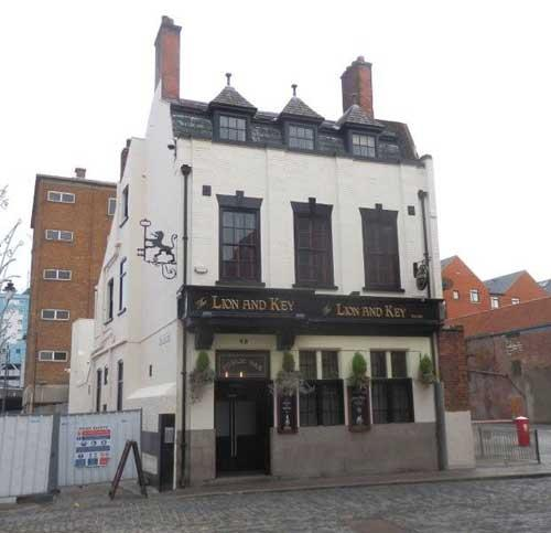 Picture 1. Lion and Key, Kingston upon Hull, East Yorkshire