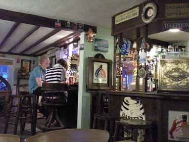 Picture 2. The Bowl Inn, Hastingleigh, Kent