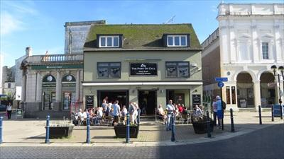 Picture 1. Elephant & Hind (formerly The Burger Bros Bar & Grill as well as The Port of Call), Dover, Kent