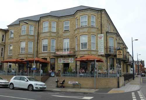Picture 1. Pub on the Prom, Great Yarmouth, Norfolk