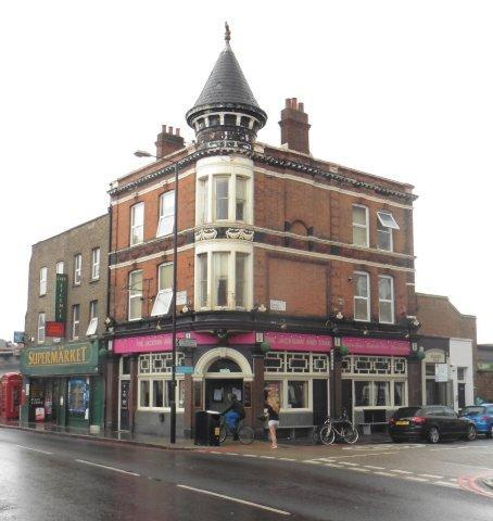 Picture 1. Spread Eagle (formerly Jackdaw & Star), Homerton, Greater London