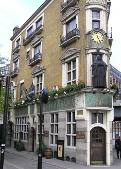Picture 1. The Black Friar, Blackfriars, Central London