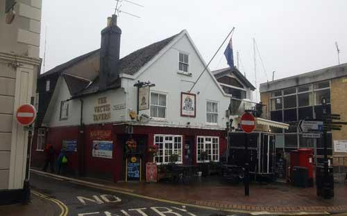 Picture 1. The Vectis Tavern, Cowes, Isle of Wight