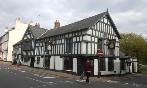 Picture 1. The Queens Head Inn, Monmouth, Gwent