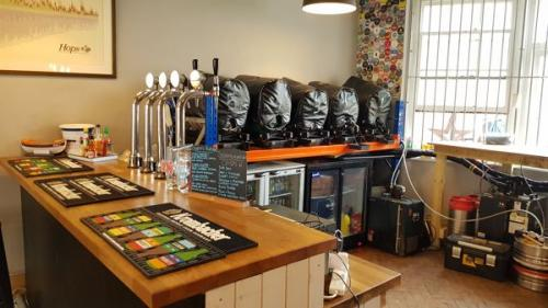 Picture 2. Crafty's Beer Shop, Letchworth Garden City, Hertfordshire