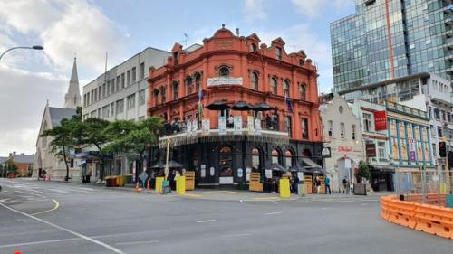 Picture 1. Shakespeare Hotel & Brewery, Auckland , New Zealand