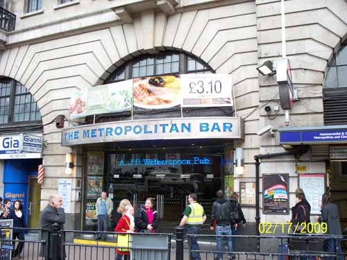 Picture 1. The Metropolitan Bar, Baker Street, Central London